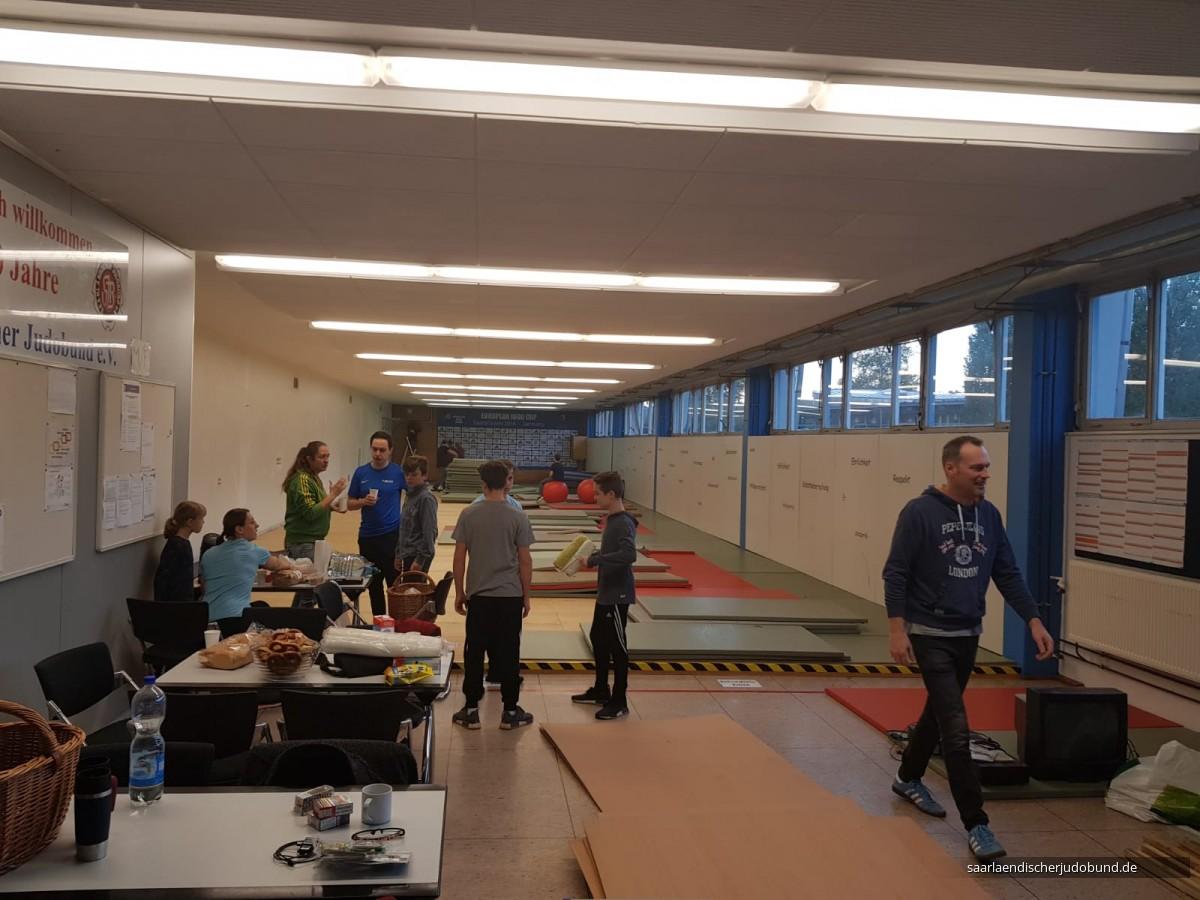 Renovierung Dojo Sportschule am 12.10.2019