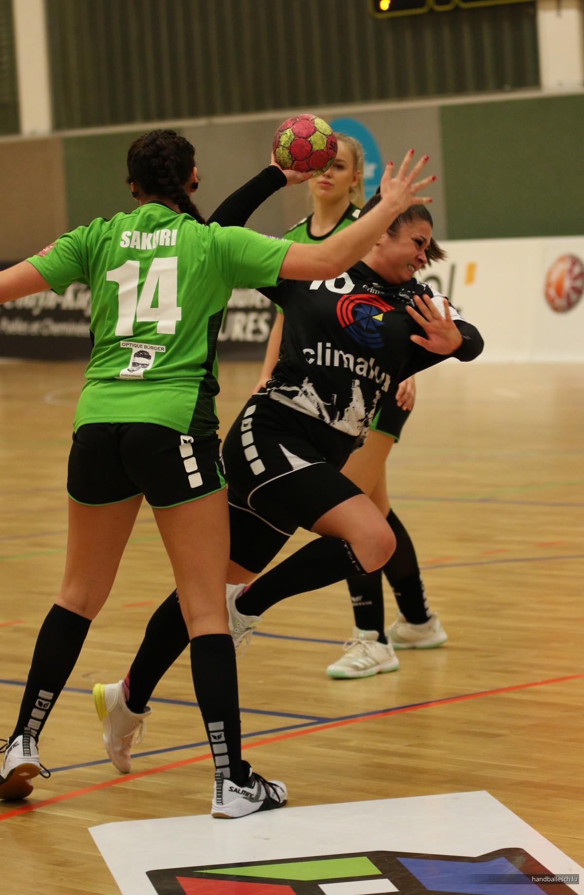 Fotoen/16.11.2019/Dammen: Handball Esch 14 - 35 Handball Käerjeng