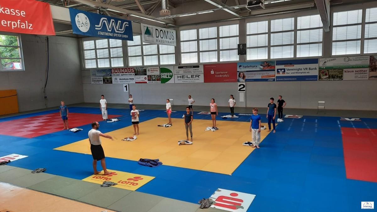 Corona-angepasste Wiederaufnahme der Trainingseinheiten im Judomaxx (JSV Speyer) | Reprise adaptée des entraînements au Judomaxx à Spire (JSV Spire/Palatinat)