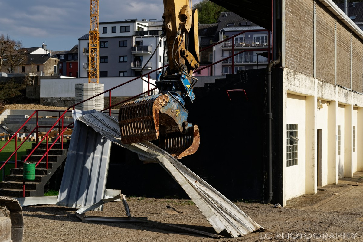Cérémonie de démolition de la tribune principale