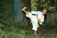 resized0b0c_karate-stolzebuerg-020706-114630.JPG