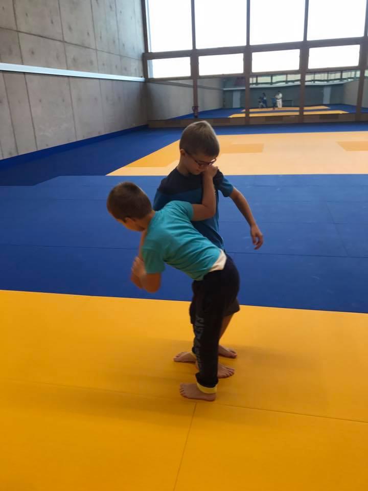 Seit dem 20.09.2017 bietet der Judo Club Stroossen Training an