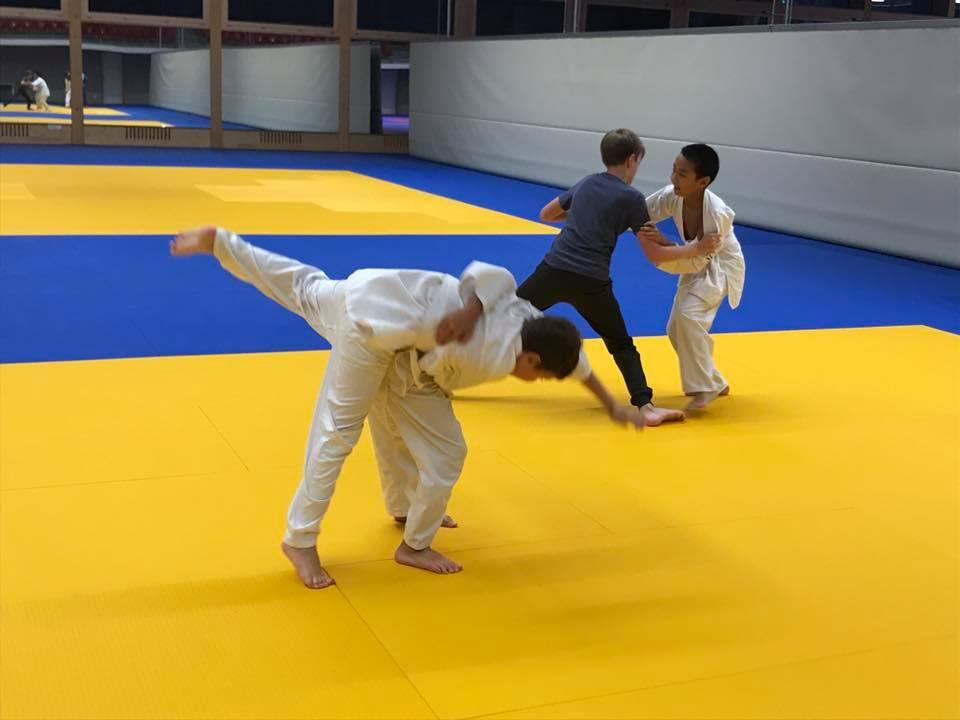 Rege Teilnahme an den ersten Trainingseinheiten des Judo Club Stroossen