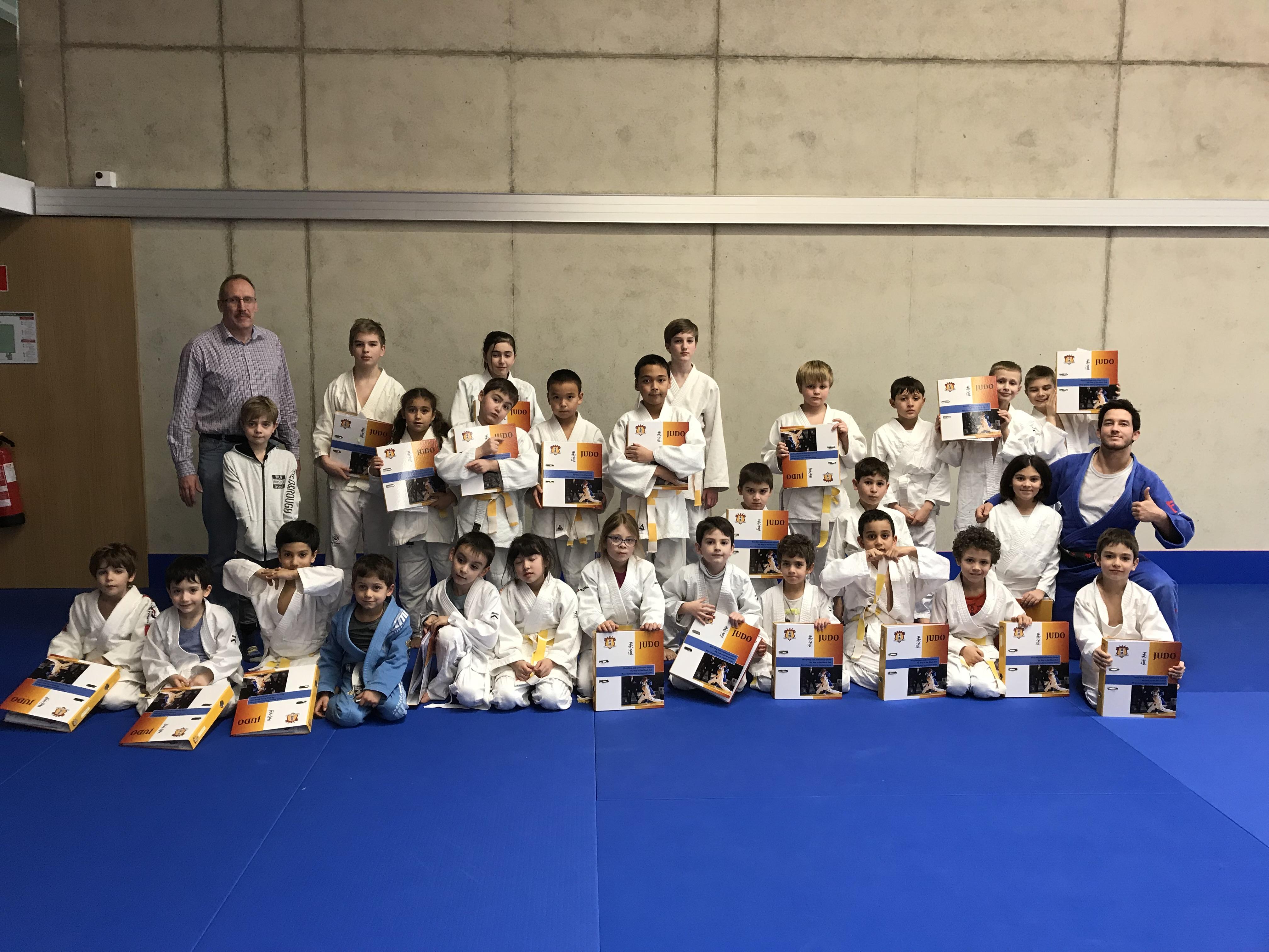 Begleitung auf dem Weg zum schwarzen Gürtel für die Kleinen im Judo Club Stroosen