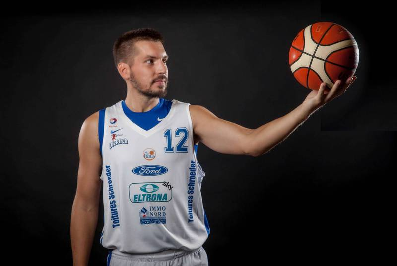 McNutt's love of basketball takes him to Luxembourg