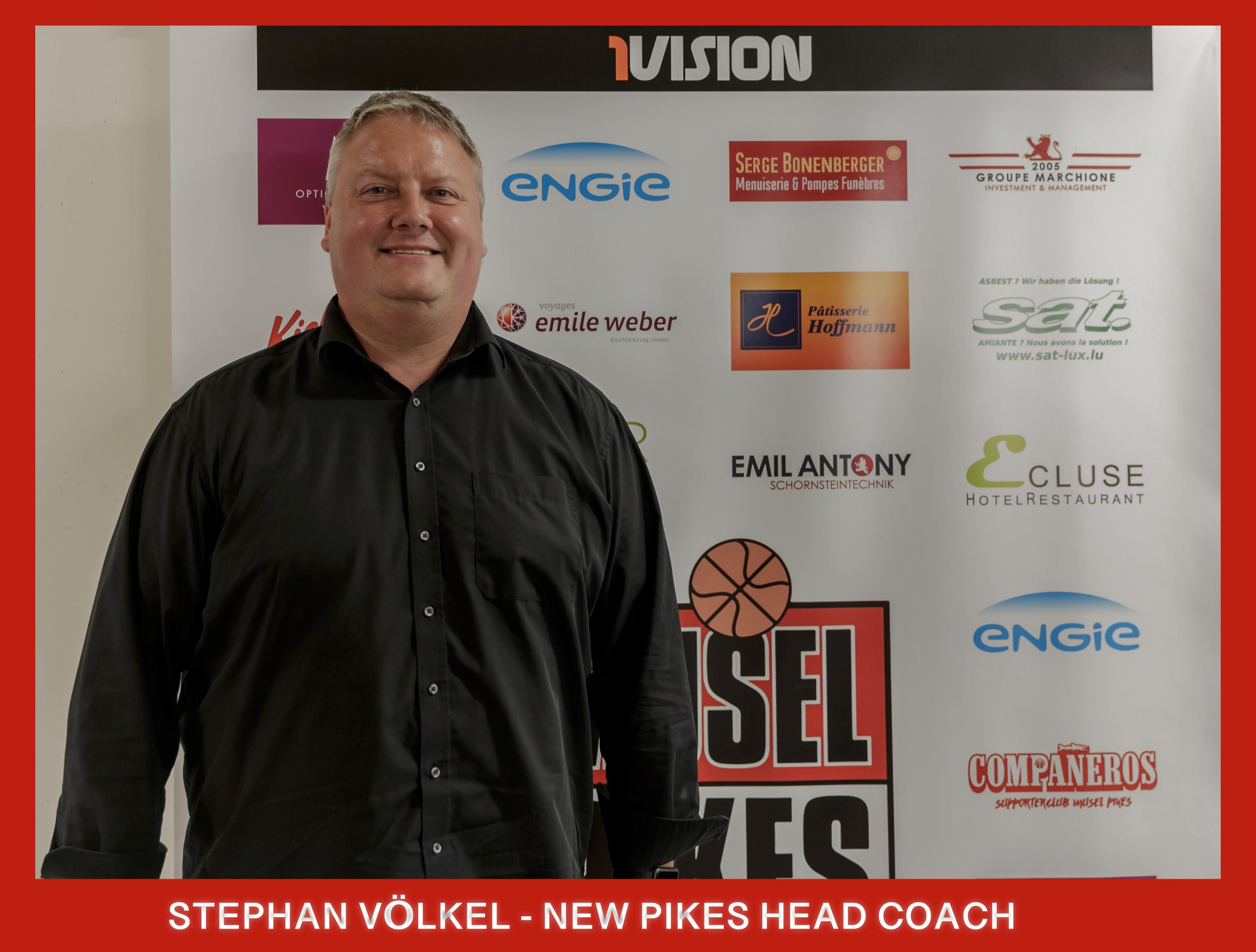 PRESSEMATDEELUNG : STEPHAN VÖLKEL = neie Pikes Head Coach