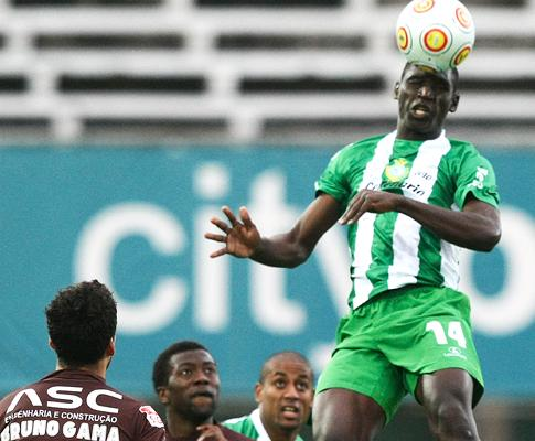 Mamadou Djikiné renforce Canach