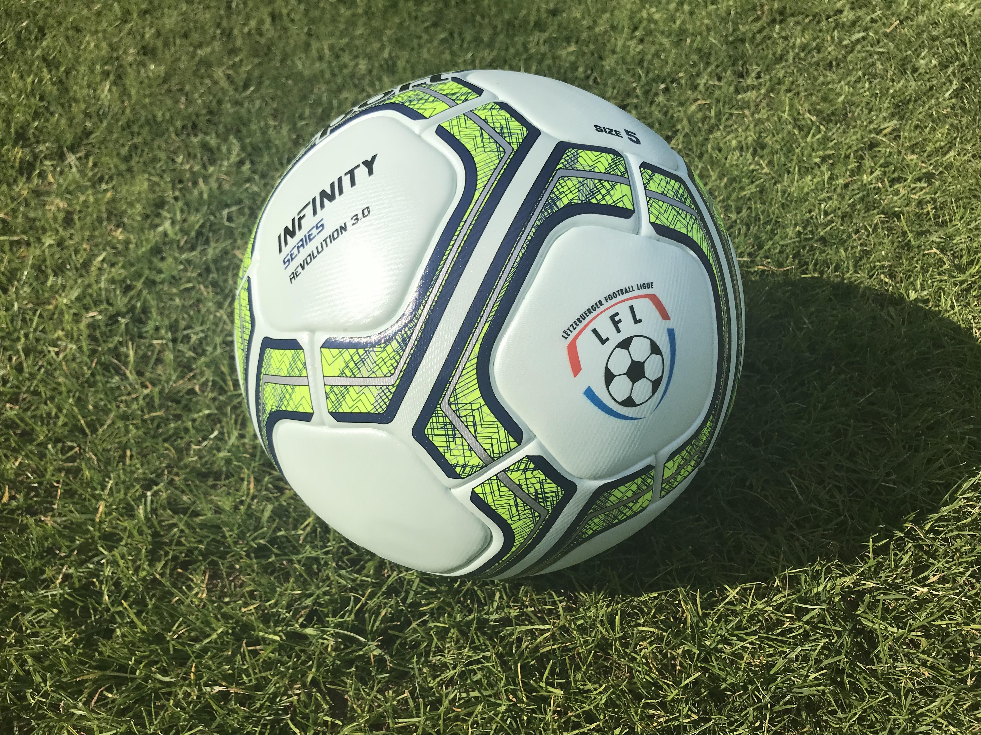 De Ball fir di nei Saison ass do