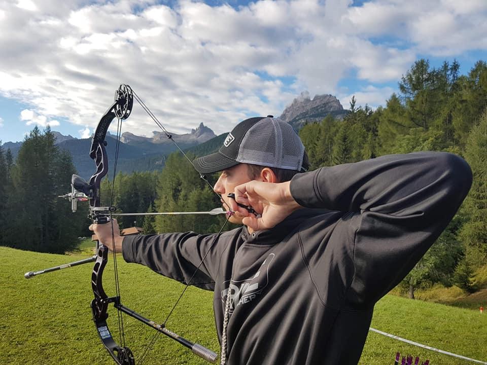 Goldfinal fir den Timo Bega béi den Junioren ob der FIELD WM zu Cortina d'Ampezzo