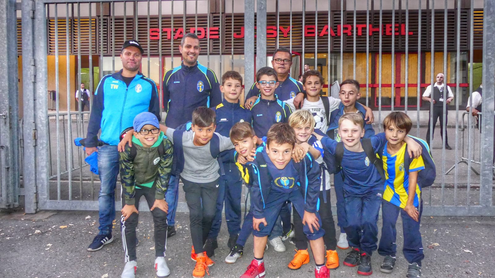 Les petits accompagnateurs de l'équipe nationale