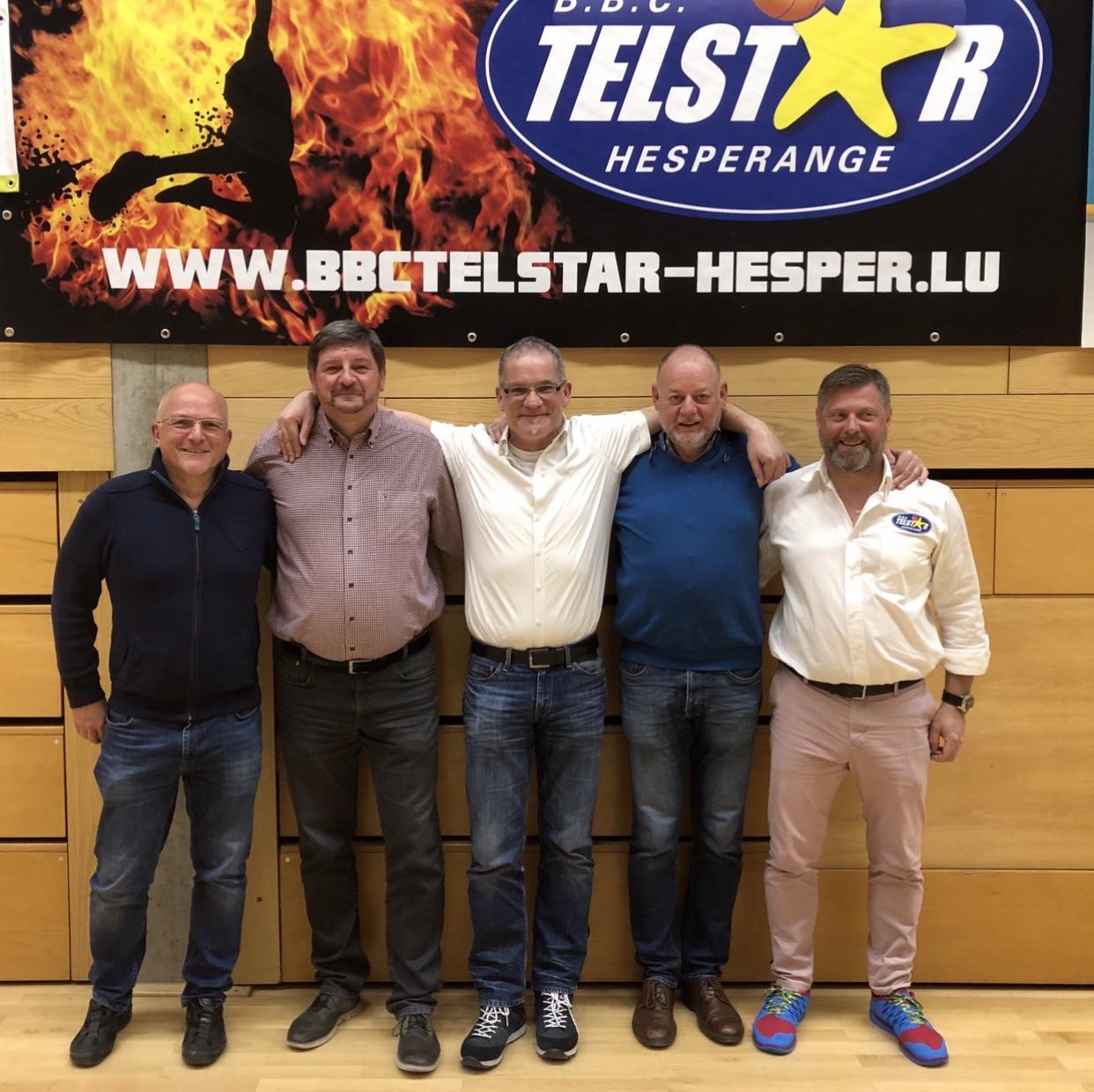 Fënnef Presidenten vum Telstar op enger Foto!