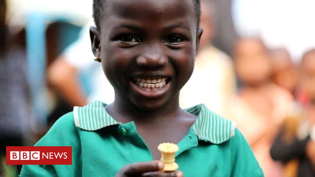 Learning to play chess is turning these kids' lives around - BBC Africa