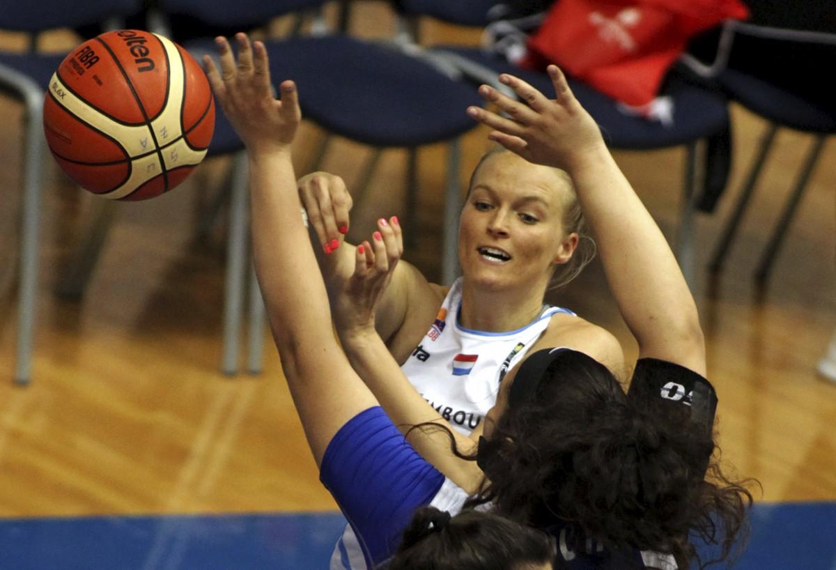 Welche Spiele? Zwei US-Amerikaner entdecken mit den Basketballnationalteams die JPEE