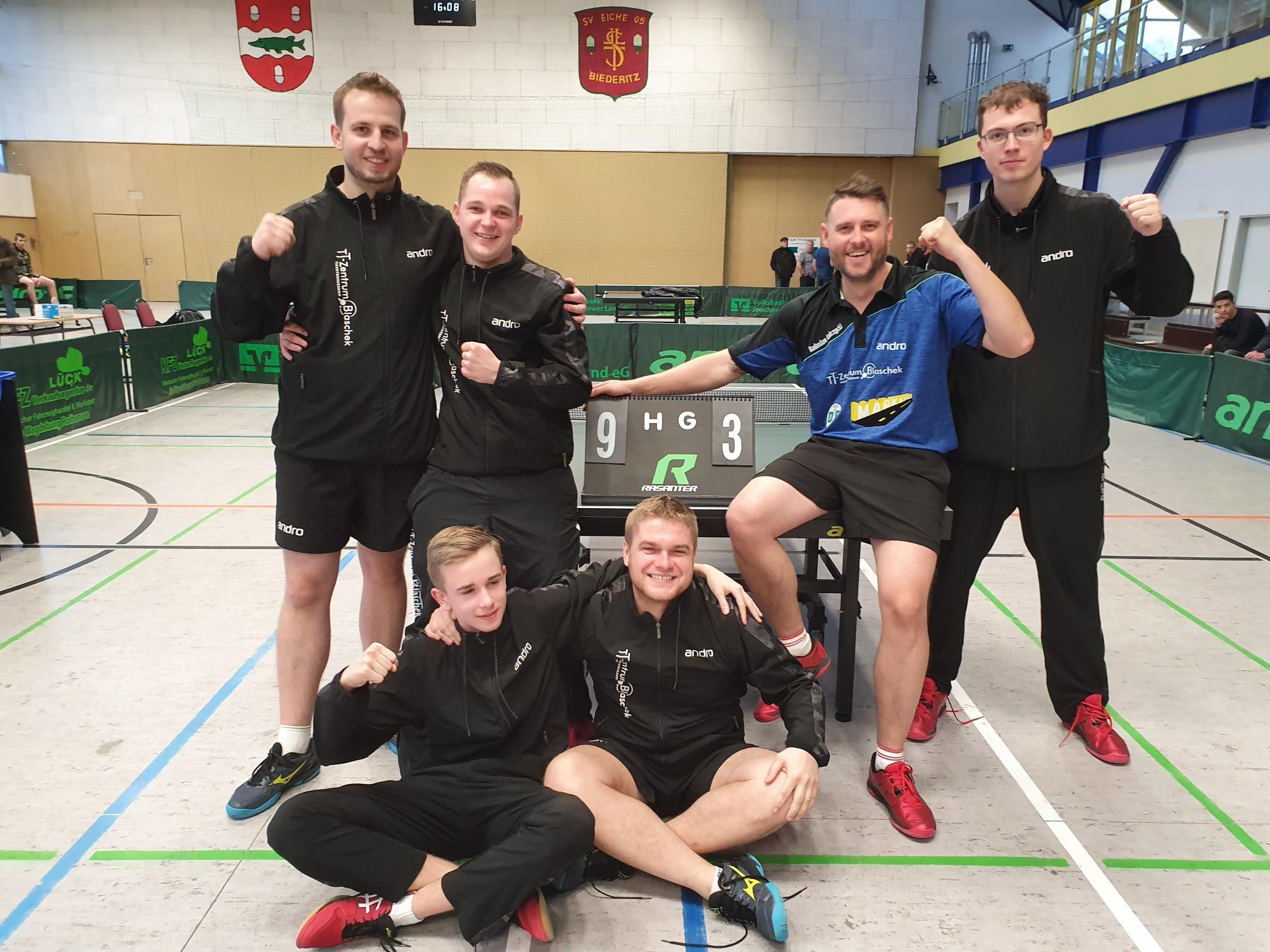 Heimsieg der Ersten Herrenmannschaft, Auswärtssiege der Damen- und der zweiten Herrenmannschaft