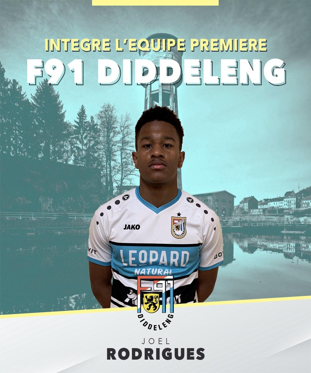 Joël Rodrigues intègre officiellement l'équipe première.