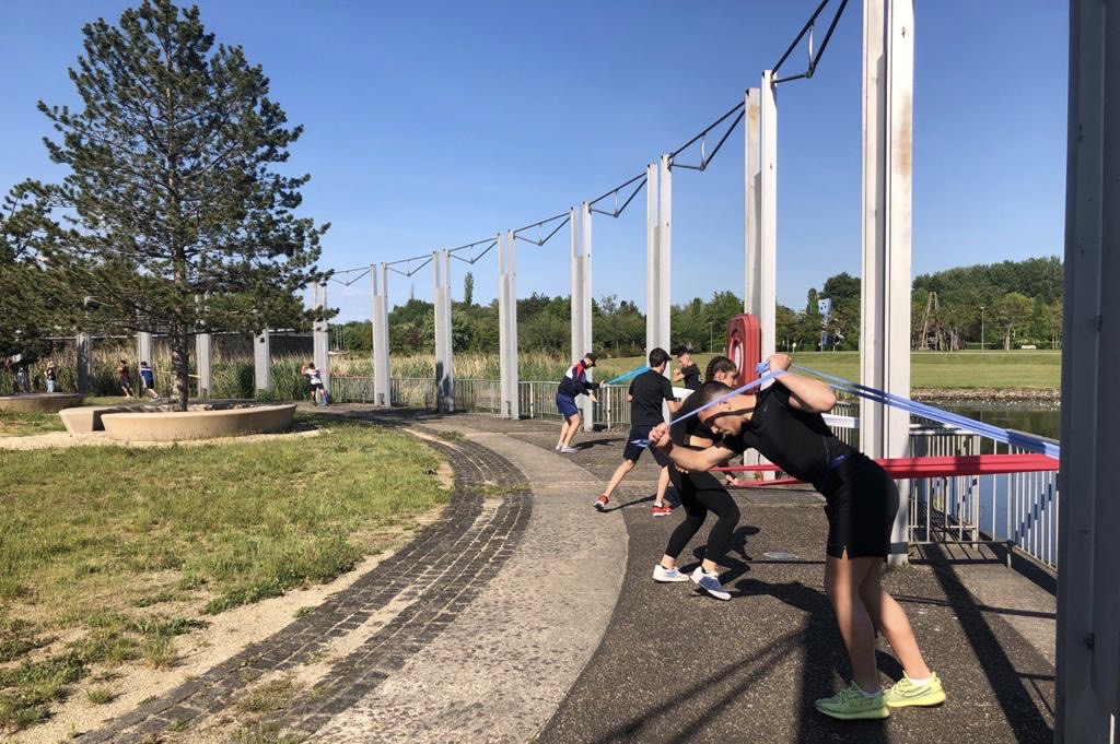 Training ënner COVID-Bedingungen