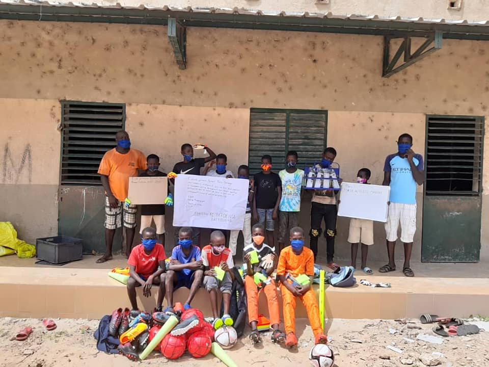 Fussballsmaterial am Senegal ukomm