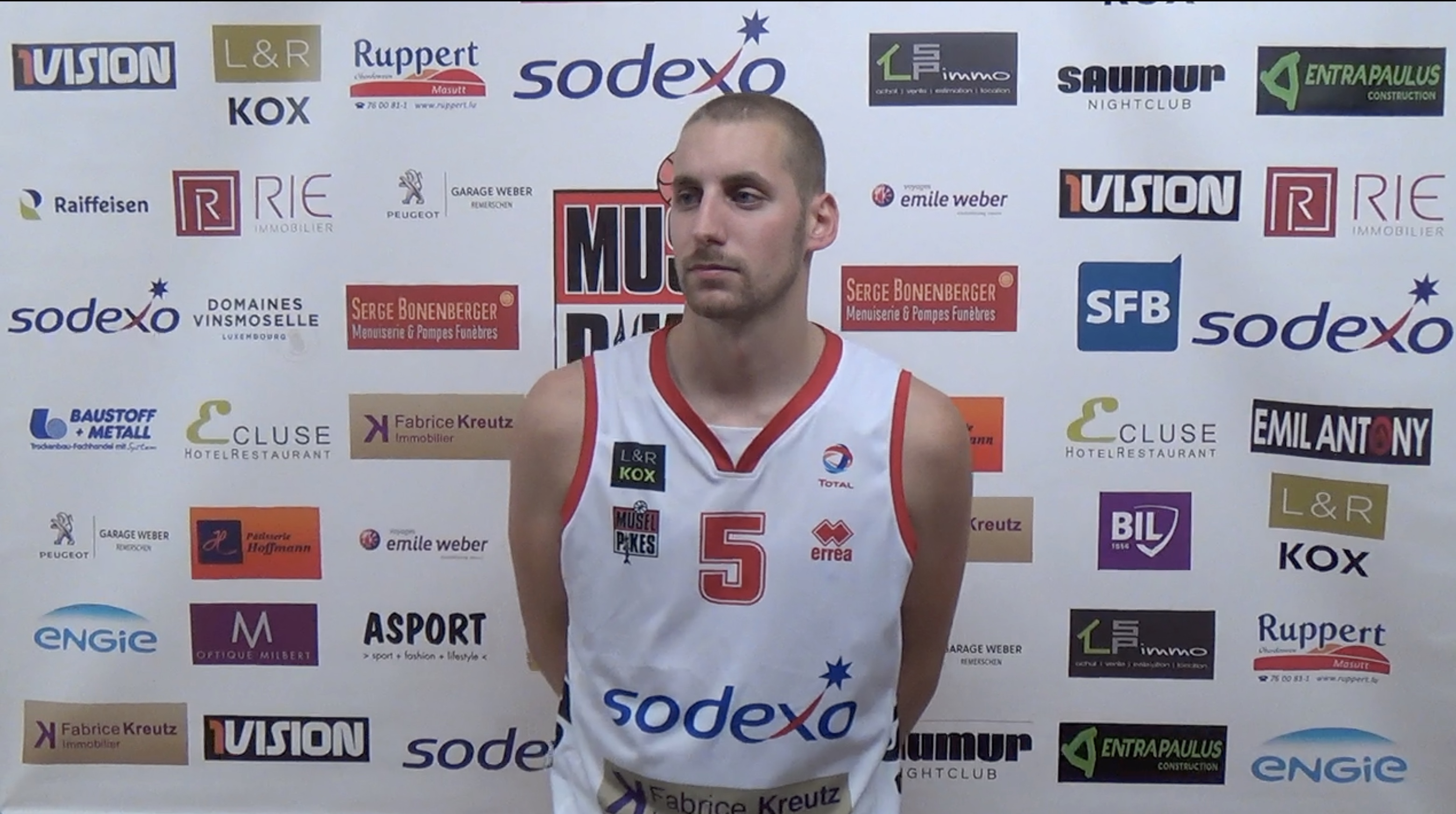 Pikes-Heffingen 73-70 Interviews after the game
