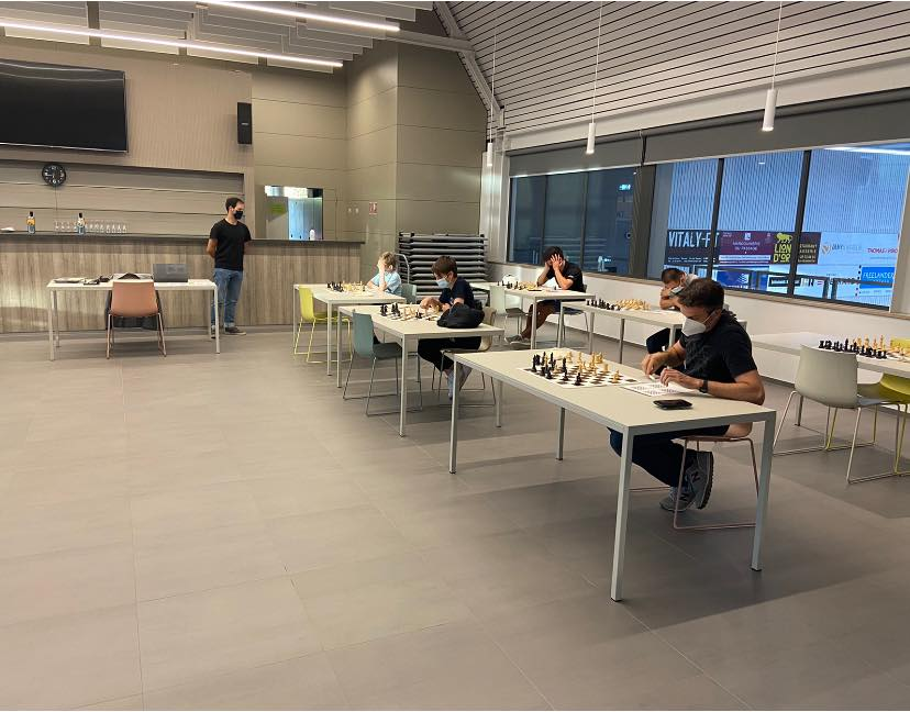 Chess lessons resume