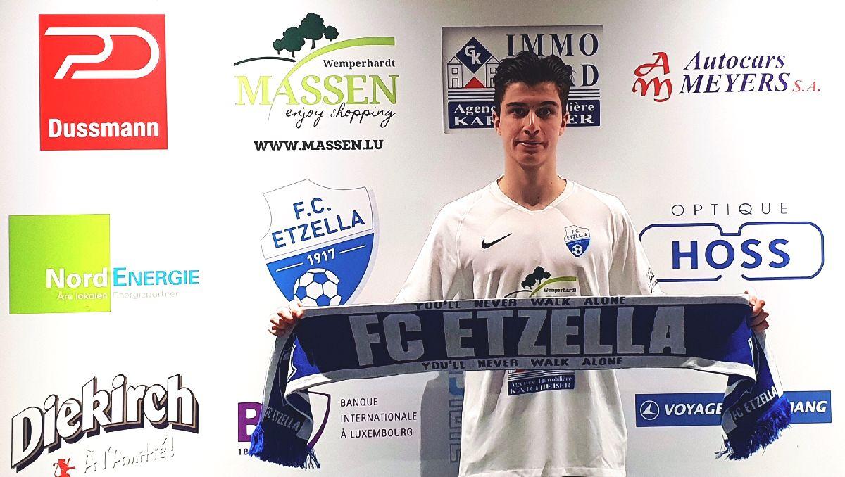 #NEWS | Den Lucas ënnerschreift säin eischten Kontrakt mam FC Etzella