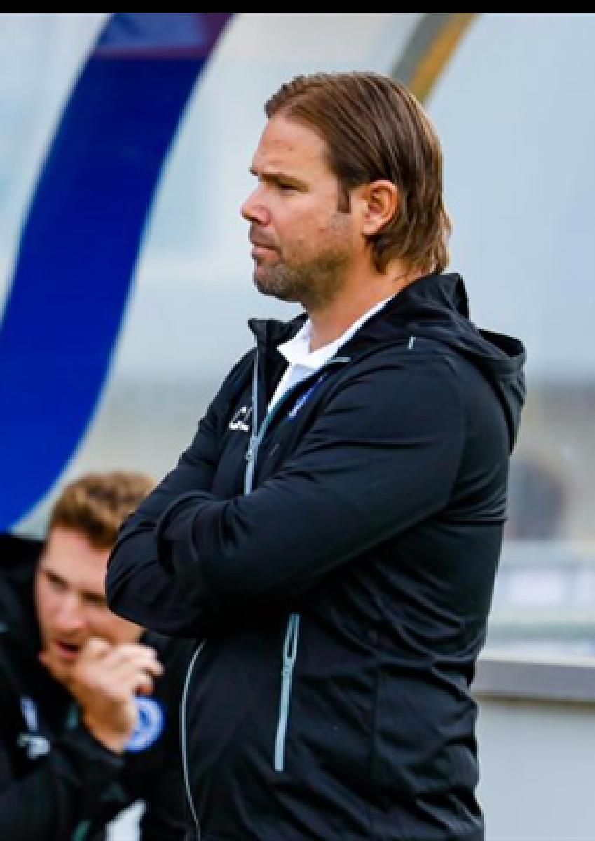 CHRISTIAN LUTZ, actuellement entraîneur à Rumelange, sera notre nouvel entraîneur pour la saison prochaine. Il sera accompagné par son adjoint actuel, François Papier.  Le contrat court sur une durée de 2 ans avec option pour une 3e année.
