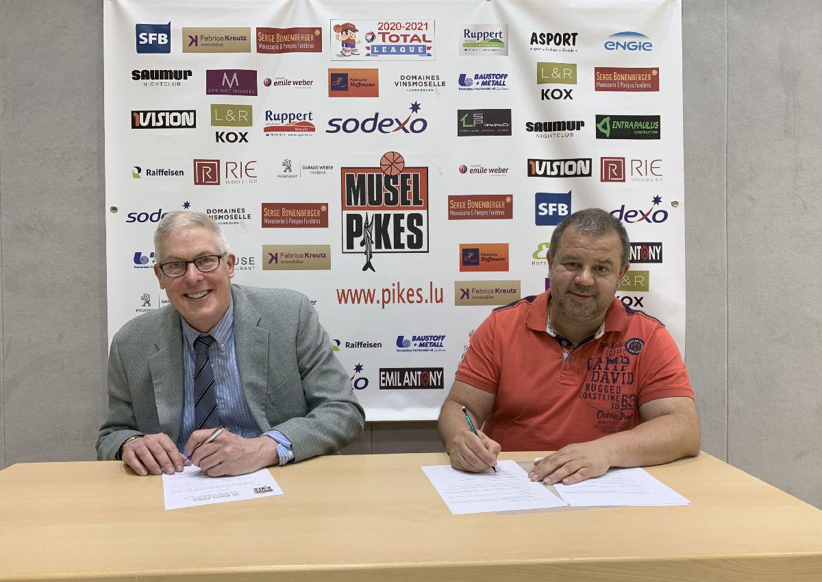 Pikes mens head coach John DIECKELMAN sign for the next season