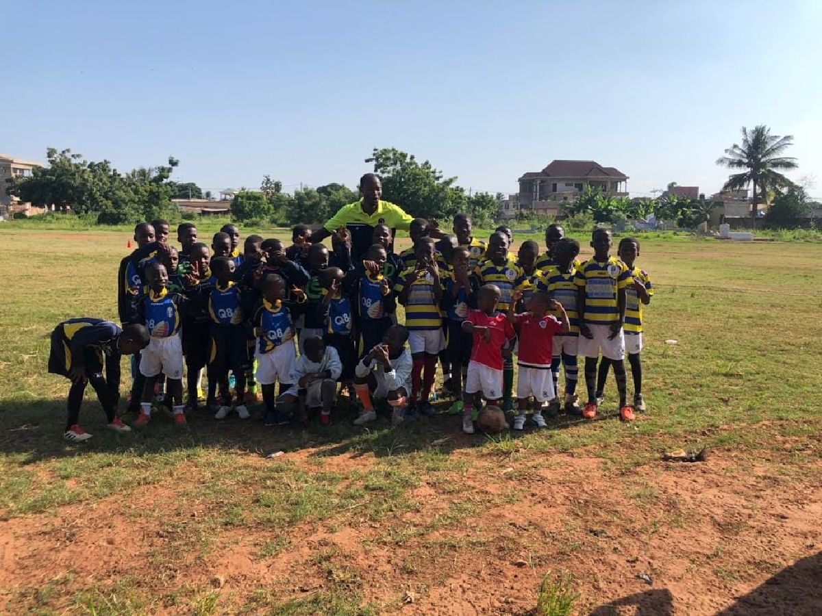 Don aux enfants au Togo